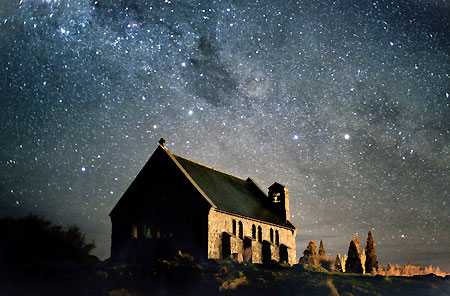 http://www.tekapotourism.co.nz/images/church_night_sky.jpg