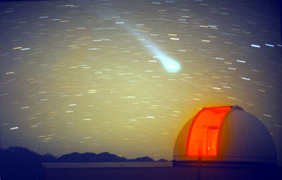 Comet passing through Tekapo sky. Alan Gilmore
